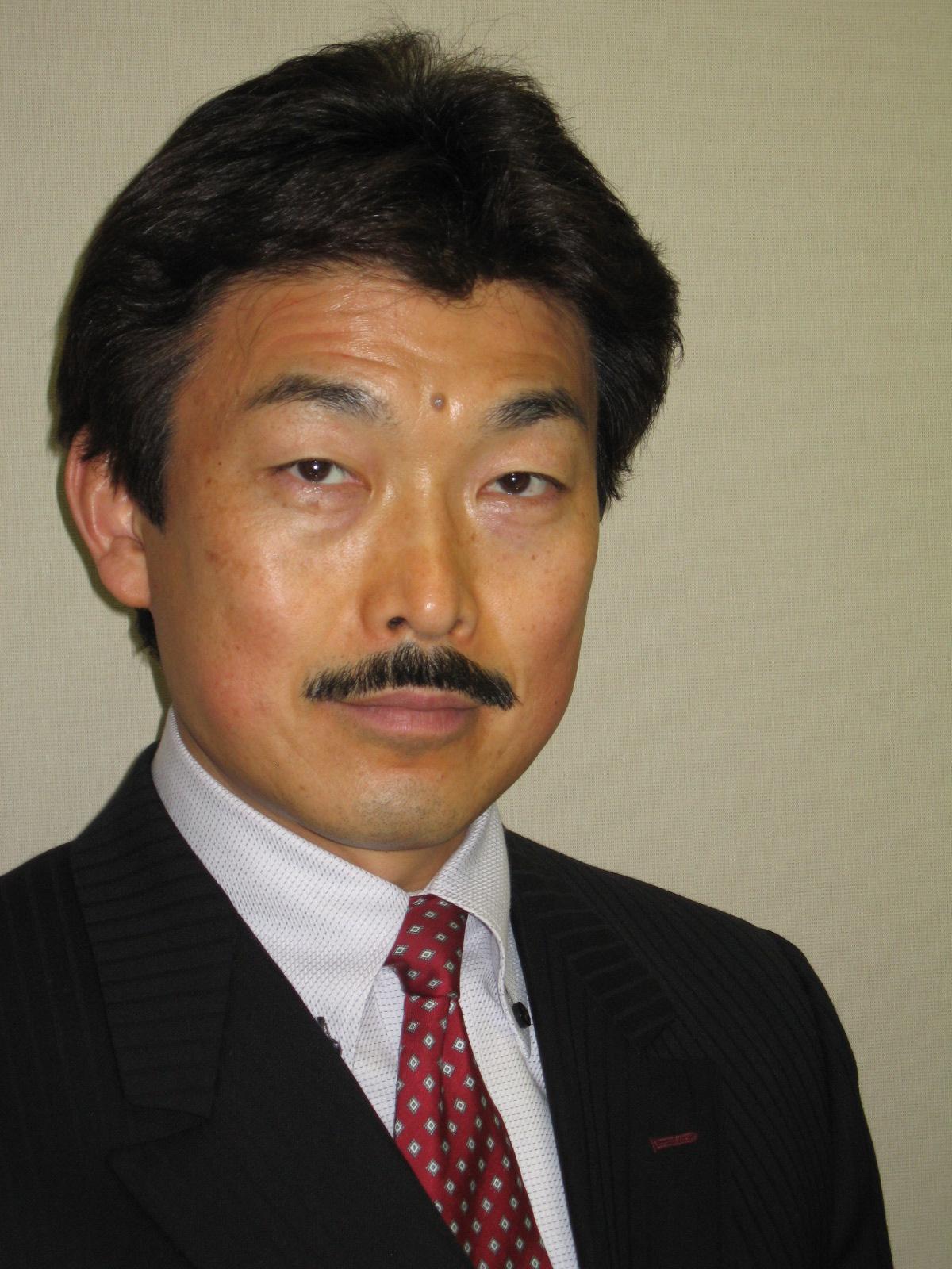 吉川先生顔写真